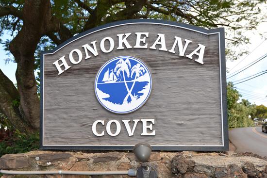 Honokeana Cove, sign at driveway